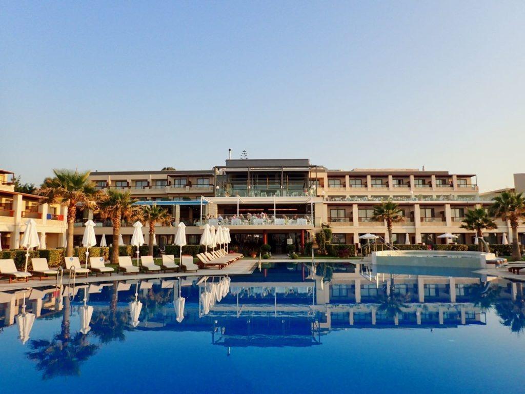 Sensimar Hotel Kalliston pool review