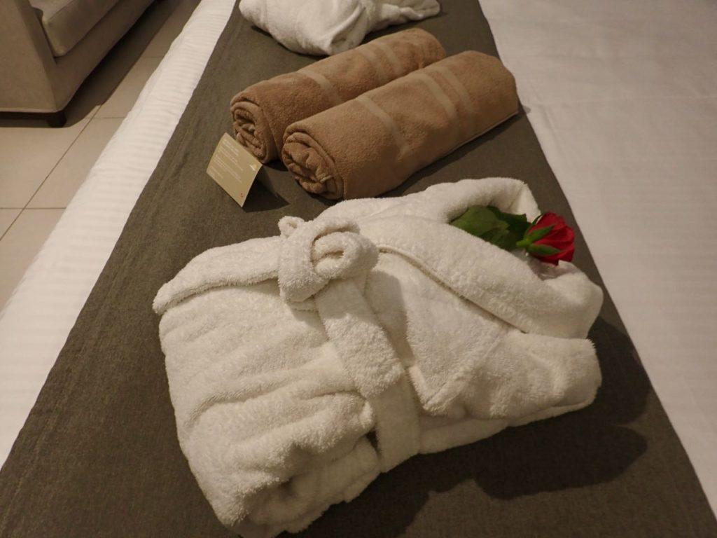 Sensimar Hotel bedroom bathrobe review