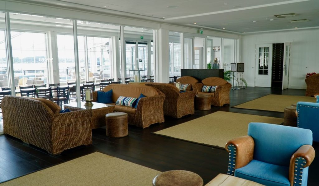 Støtvig hotel reception review