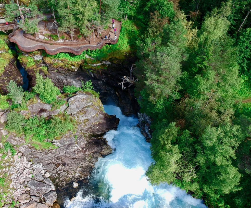 Valldal Fjordhotell juvet waterfall air drone review