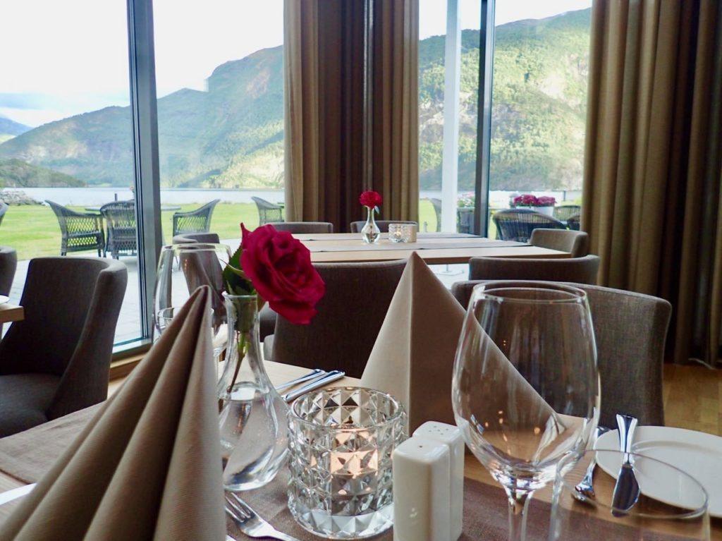 Valldal fjordhotell dinner restaurant review