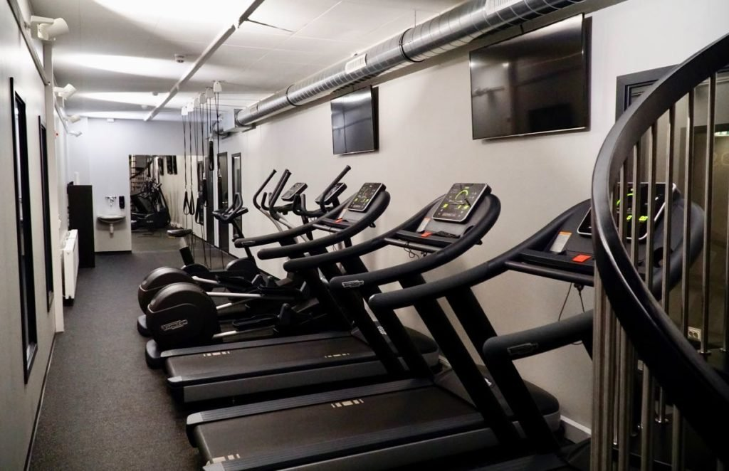 Clarion Hotel Air review gym