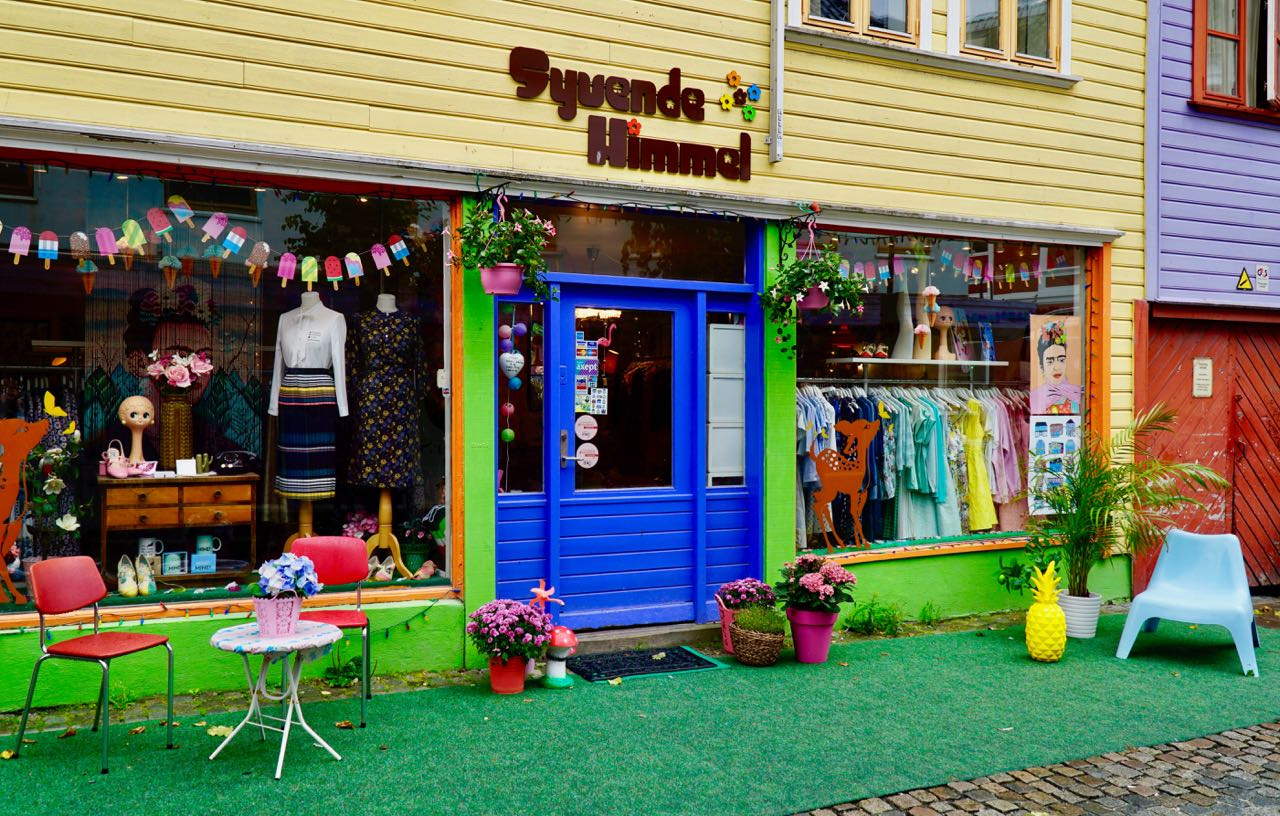 Road trip Norway Stavanger colourful street