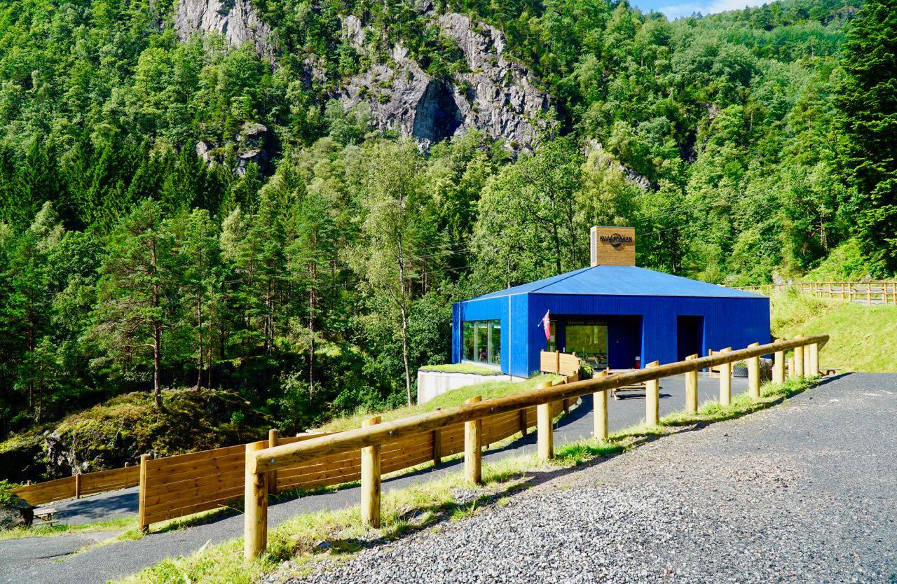 Road trip Norway Kvåsfossen Sørnorsk Laksesenter