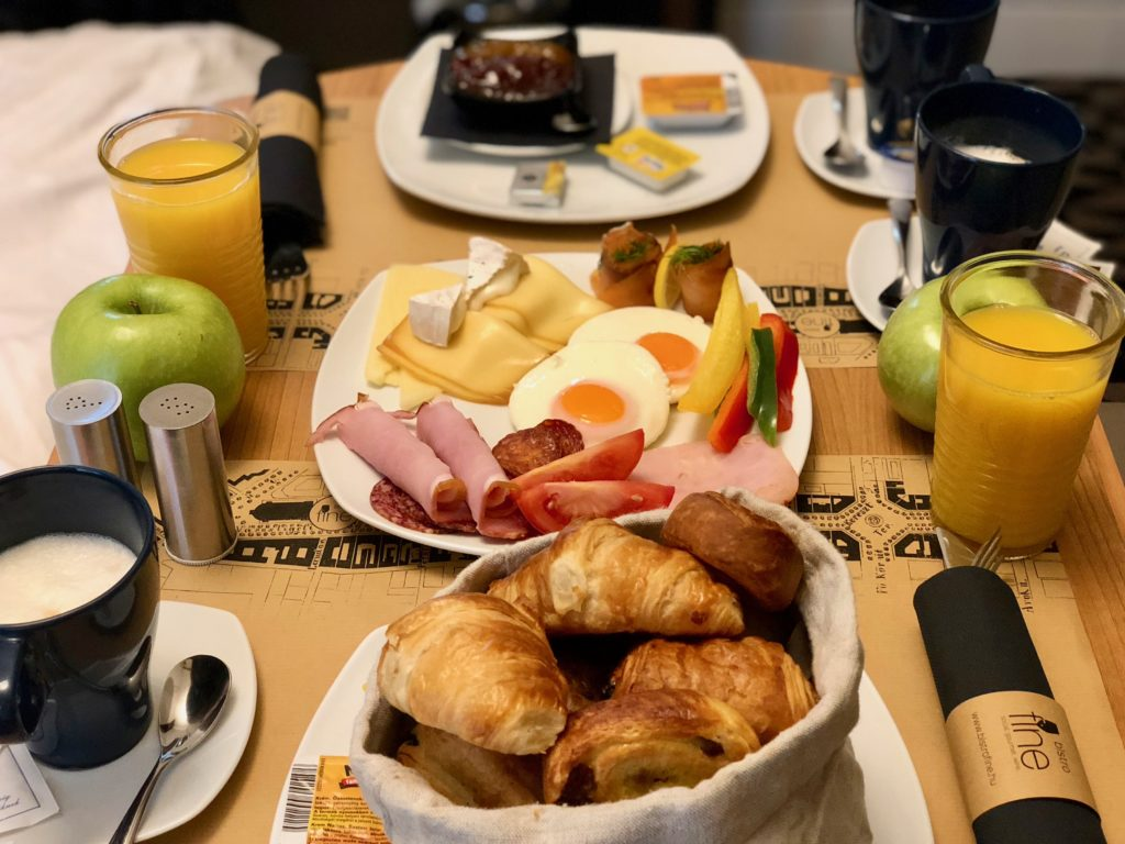 Hotel Moments Budapest breakfast review