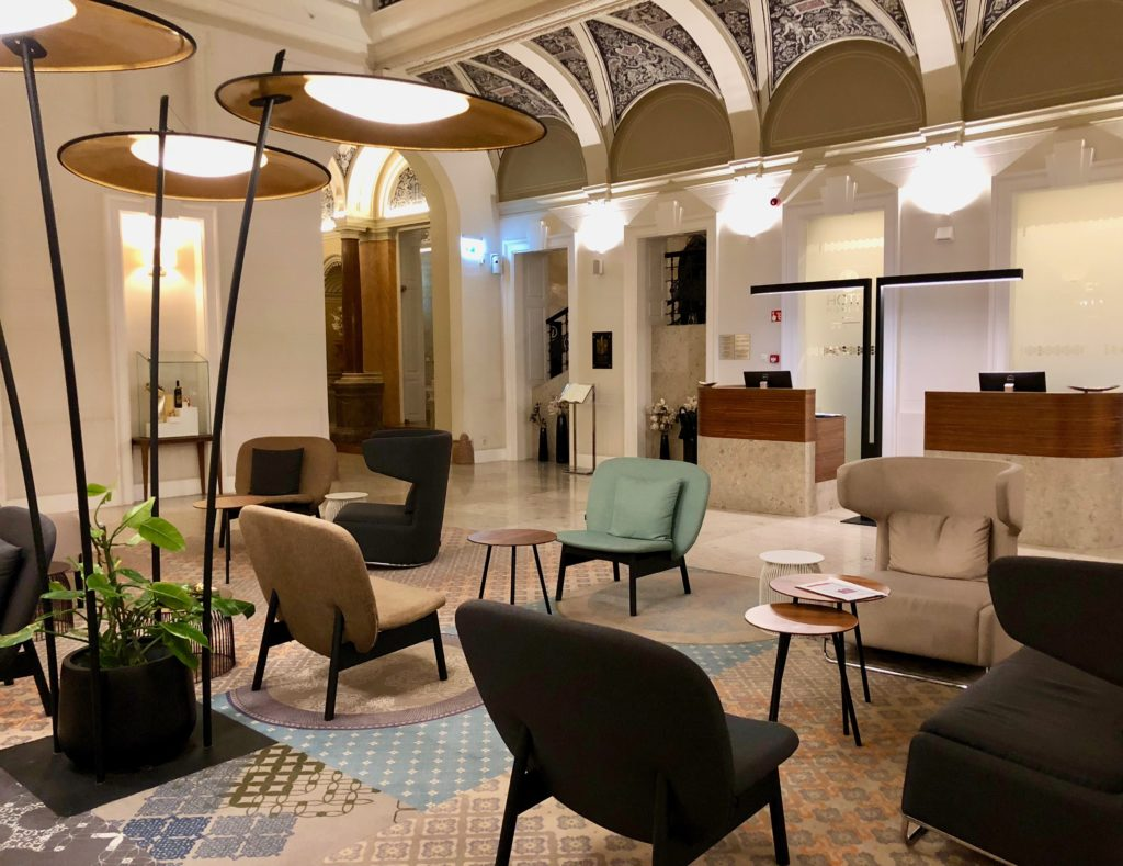 Hotel Moments Budapest lobby review