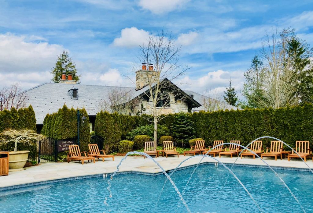 Pools Old Edwards Inn and Spa review
