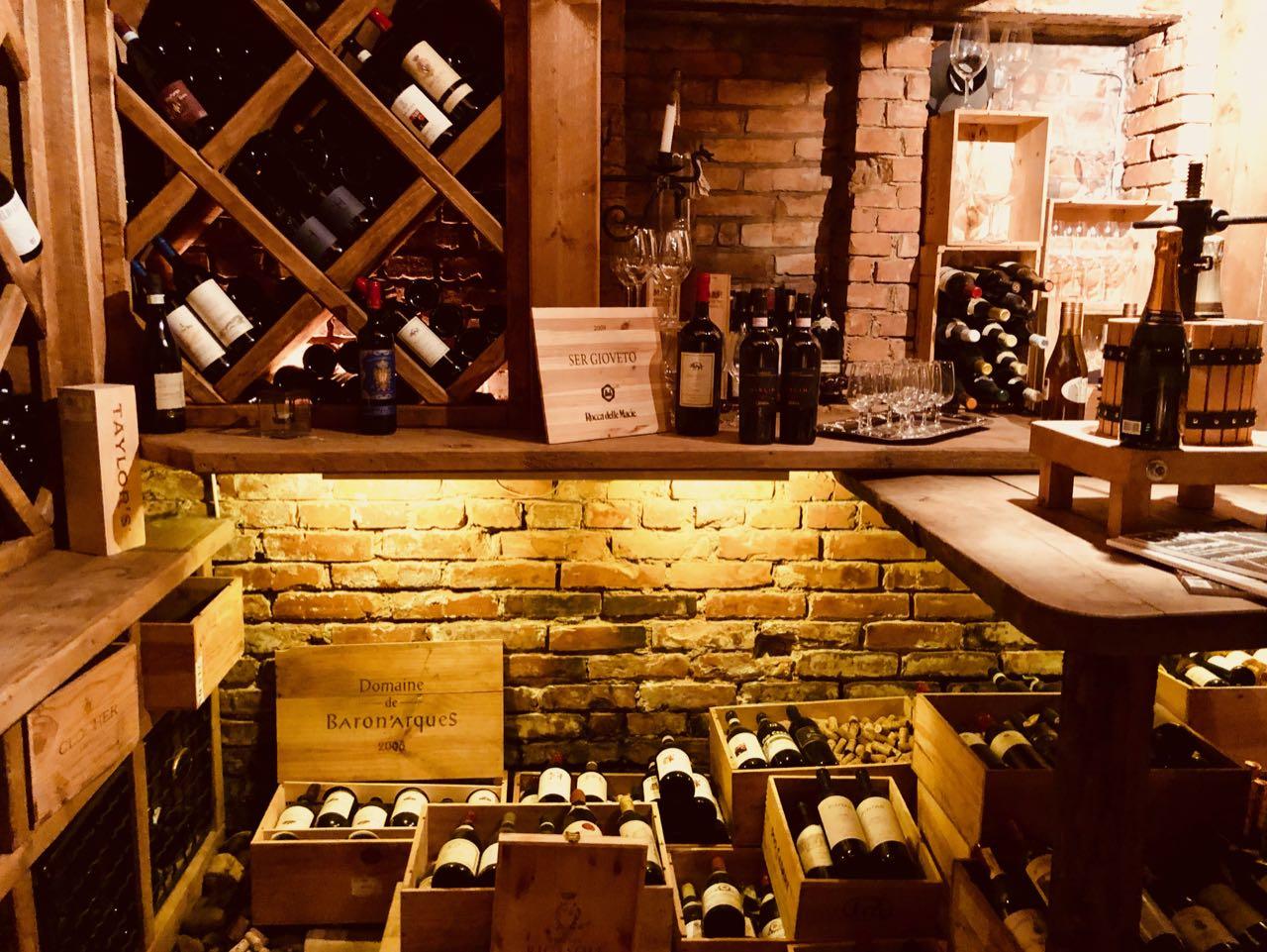 Thorskogs slott castle Christmas wine cellar review