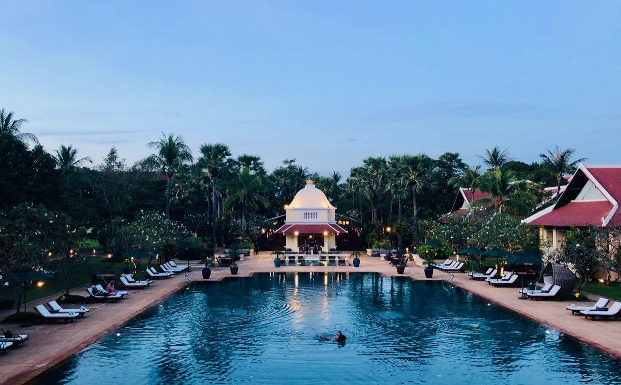 Raffles Grand Hotel d'Angkor Siem Reap swimming pool