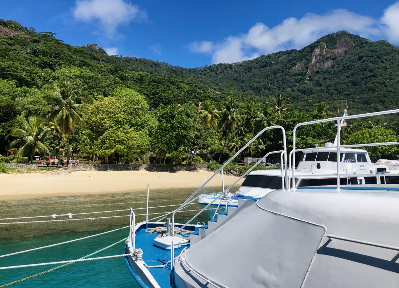 Arrival dock Hilton Seychelles Labriz Silhouette Island