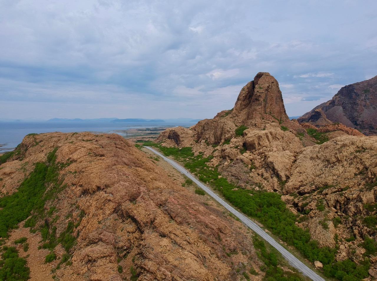 Leka geological formations