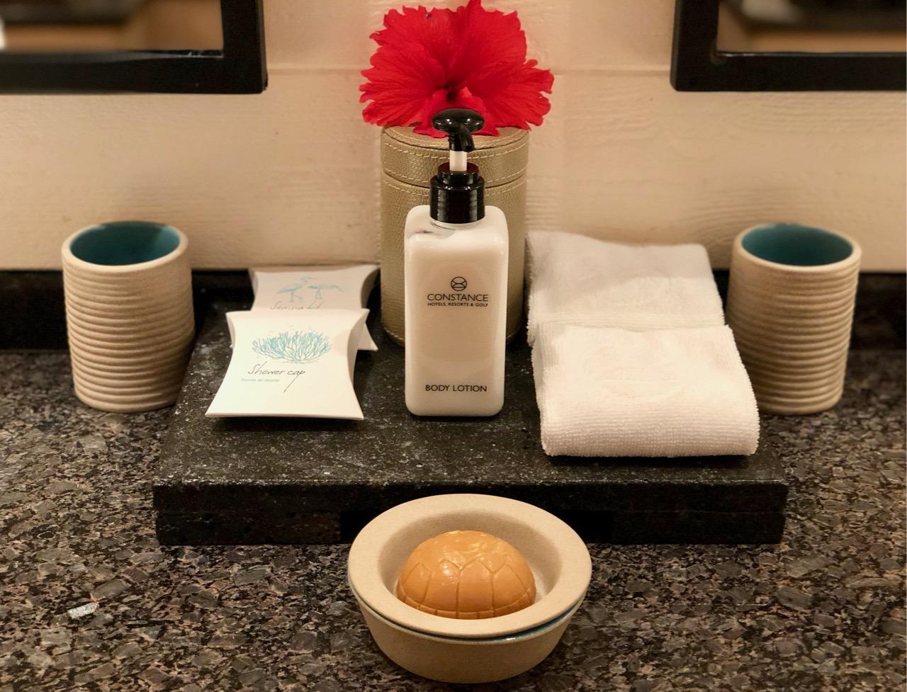 Constance Lemuria review bathroom amenities