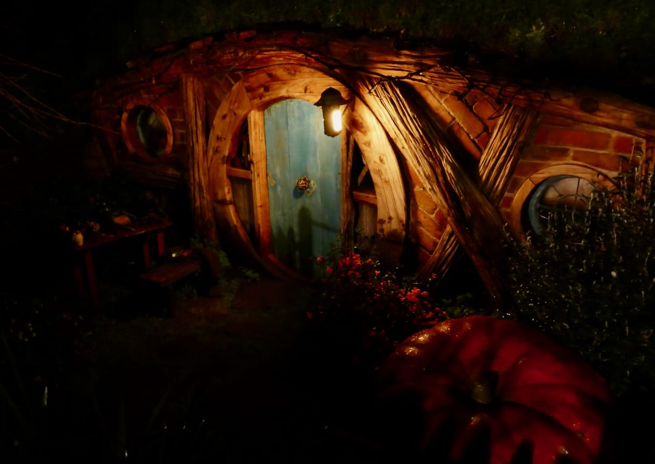 Hobbit homes at night Hobbiton Evening Banquet Tour