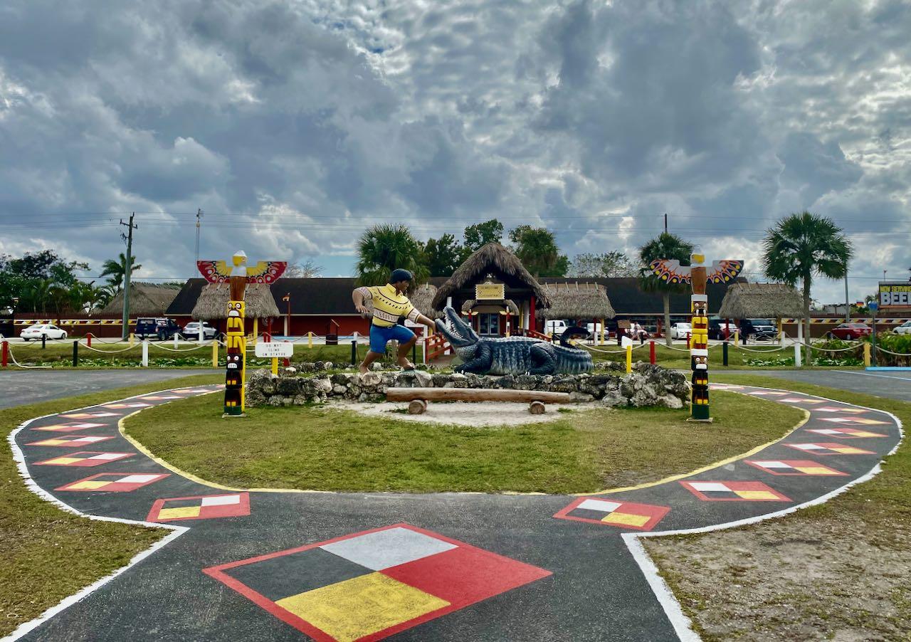Miccosukee Village 17 steder å stoppe langs Tamiami Trail/ U.S Highway 41