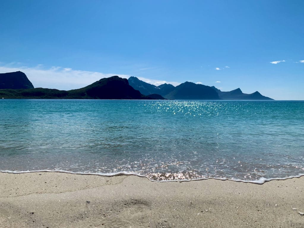 HAUKLANDSTRANDA (Norwegian Scenic Route Lofoten): The water is crystal clear but swimming may not be ideal for everyone due to the chilly water temperature.